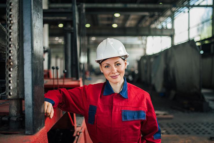 Journée internationale des femmes 2020 : Femme ingénieur à l'usine